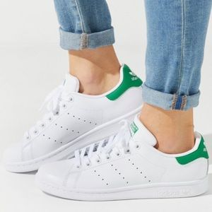 Women's adidas Originals Stan Smith Sneaker size 9